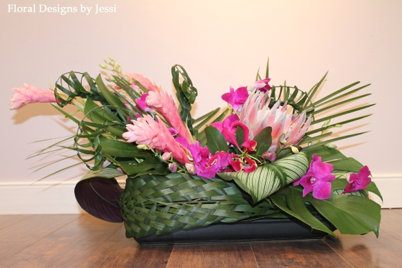 Philadelphia Wedding Florist - Hayley Paige - Jennifer's Bridal - Tropical Floral Arrangements (6)